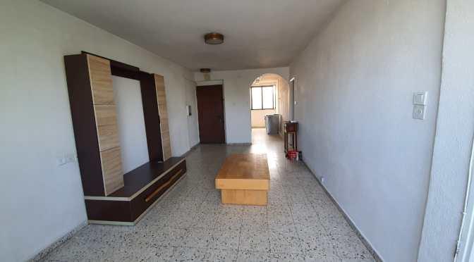 3 חדרים ,ענקית , משופצת ברחוב שמואל חולון